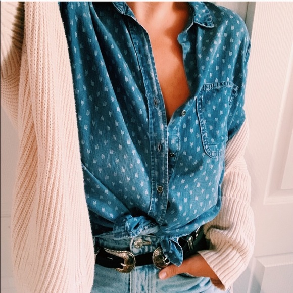 cloth & stone Tops - Cloth & Stone Anthropologie Chambray Western Shirt